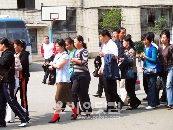 ▲ [자료사진] 지난 2007년 연변 조선족 동포들이 방문취업제 시험을 보기 위해